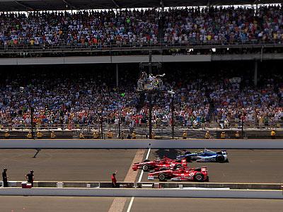 Команда «Ганасси» оформила победный дубль в гонке «Индианаполис-500»