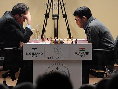 В пятой партии матча Ананд - Гельфанд победитель вновь выявлен не был