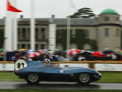 Дэвид Култхард за рулём чемпионского Jaguar D-Type