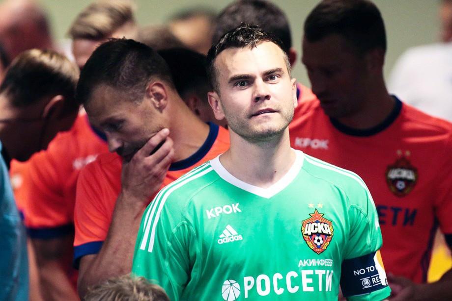 Гончаренко: поздравили Акинфеева — теперь он сбросит оковы