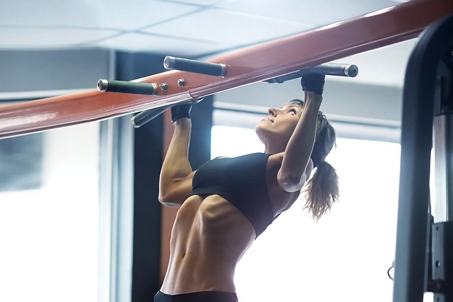 Жиросжигающая фитнес-тренировка на турнике для девушек. Воркаут для девушек 5a66e7253dc