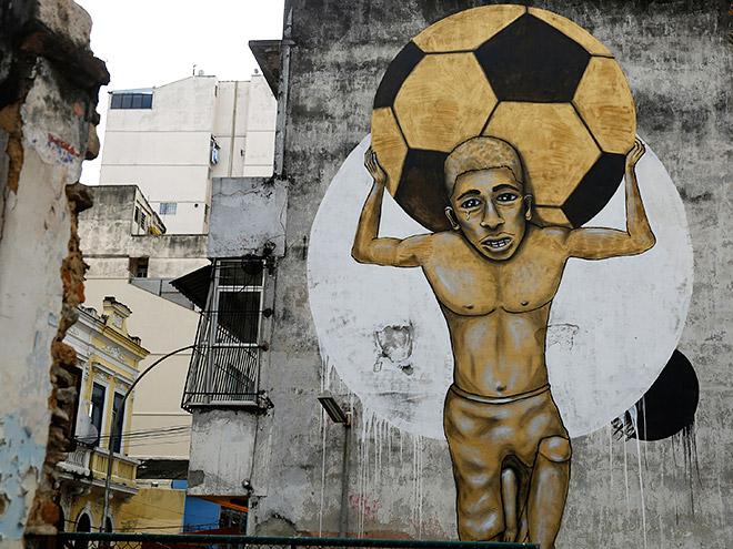 Марадона, Неймар, Месси и другие футболисты в стрит-арте