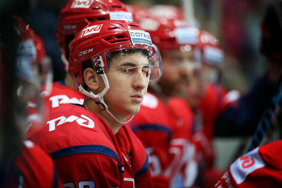 Каюмова наказали за удар судьи. Ему дали суммарно 13 игр и крупный штраф