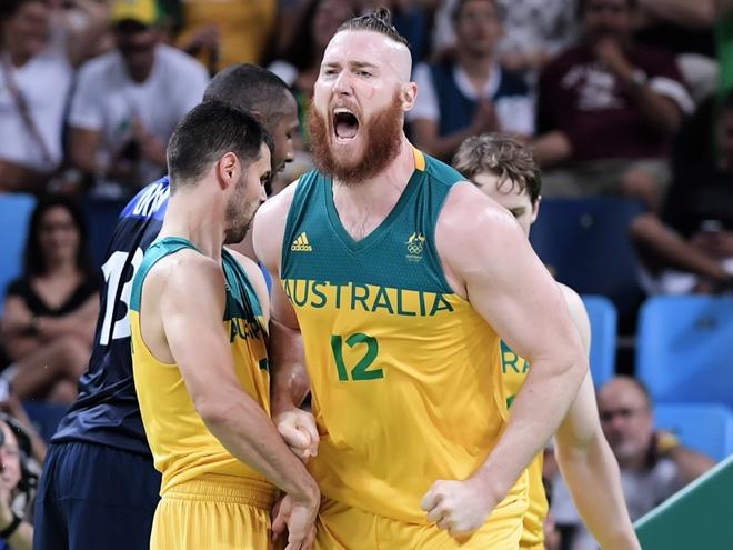 Сборная Австралии разгромила Францию «+21» на Олимпиаде