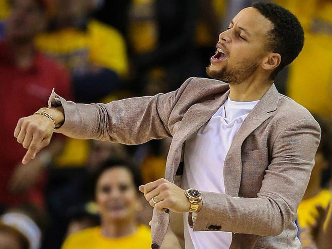 Фил Джексон предложил ввести в НБА четырёхочковую линию