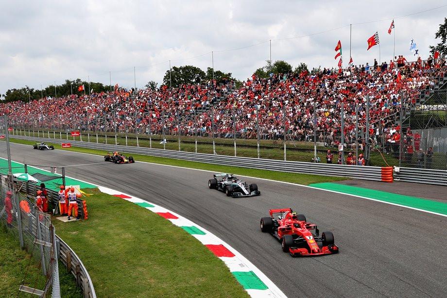 Кими не удержал победу: Боттас помог Хэмилтону выиграть Гран-при Италии