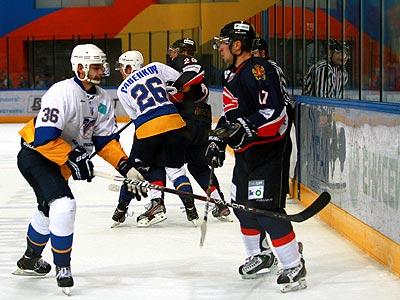 Александр Сёмин дебютировал в ВХЛ