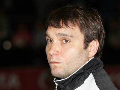 Главный тренер сборной Олег Кулешов