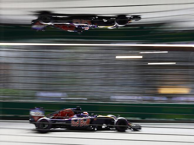 Даниил Квят на Гран-при Сингапура финишировал девятым
