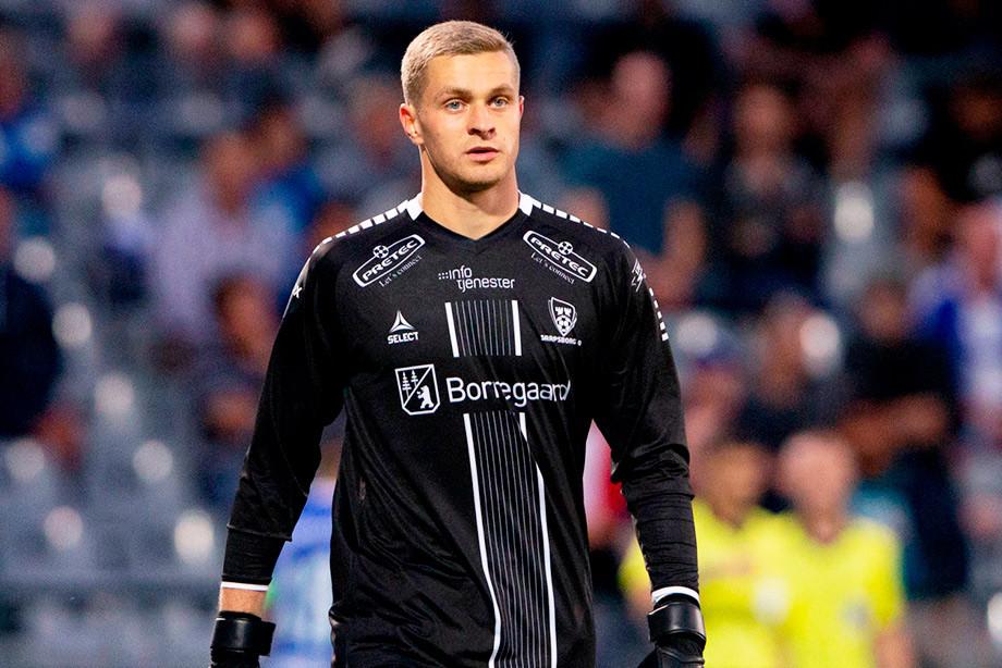 Вратарю из России забили два гола за первые пять минут. Это антирекорд ЛЕ