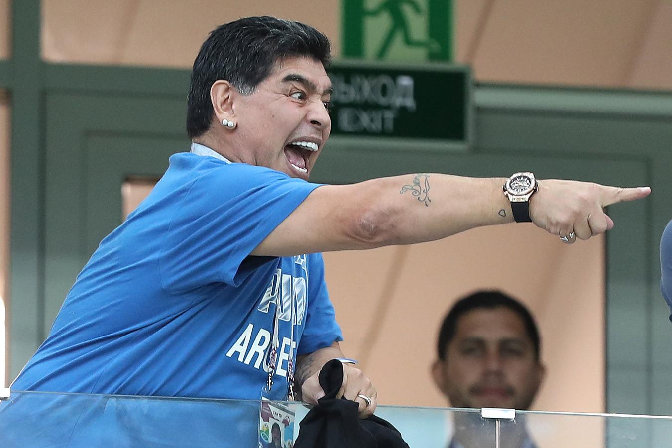 Диего Марадона: мечтаю забить ещё один гол сборной Англии, но на этот раз правой рукой - Чемпионат