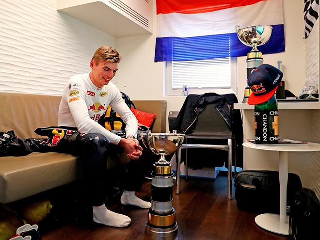 Обзор соцсетей пилотов и команд Формулы-1 по Гран-при Испании