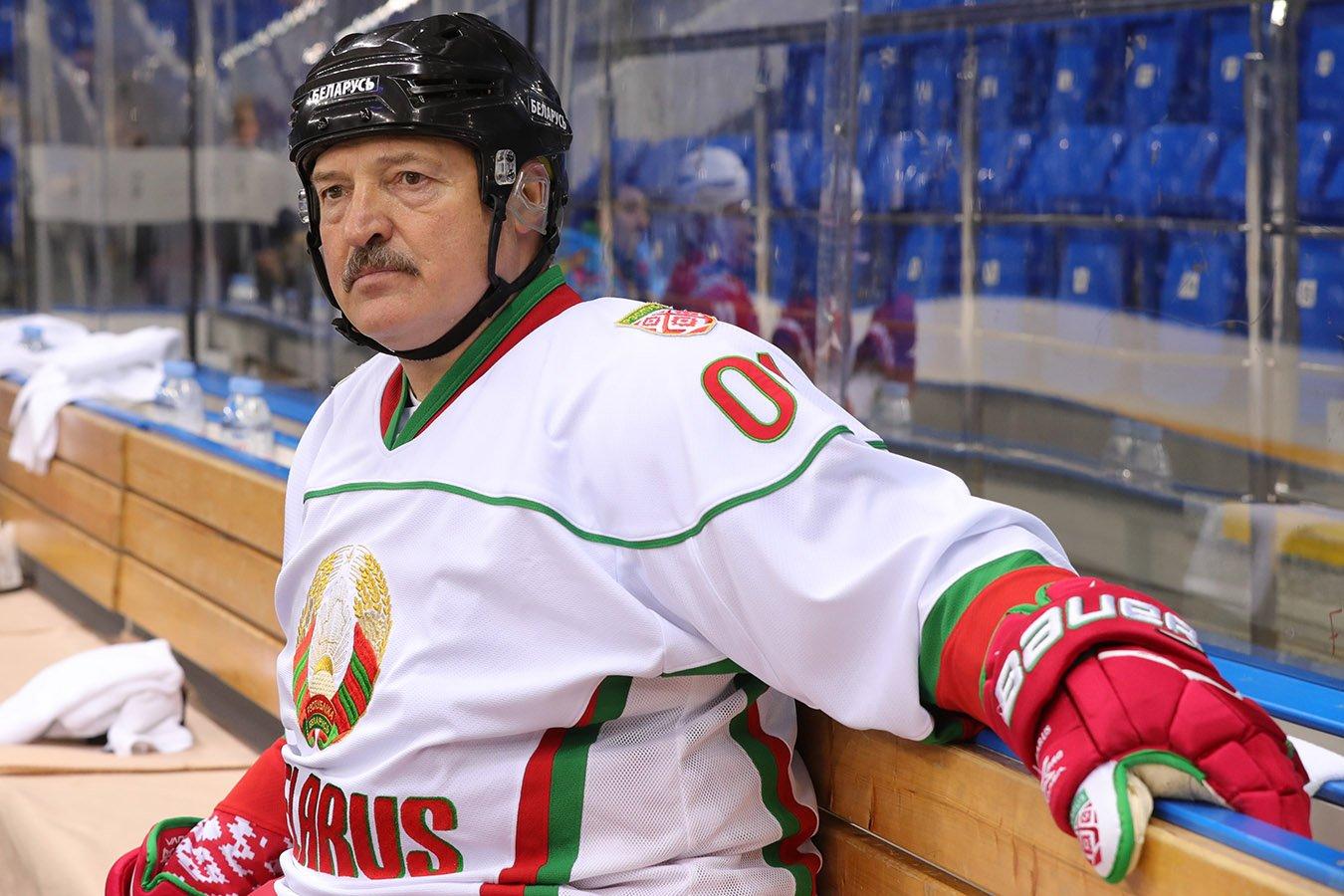 Лукашенко жёстко раскритиковал сборную Беларуси по хоккею после поражения от Польши