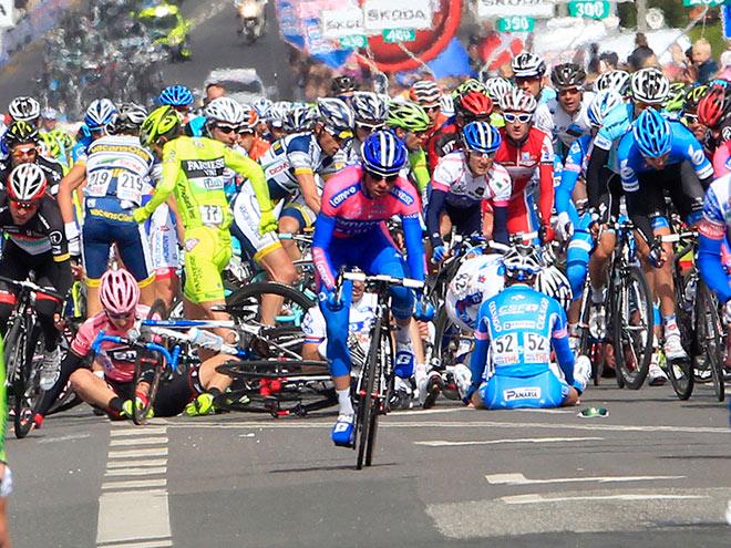 Велоспорт. Самые жуткие падения на «Джиро-2014»