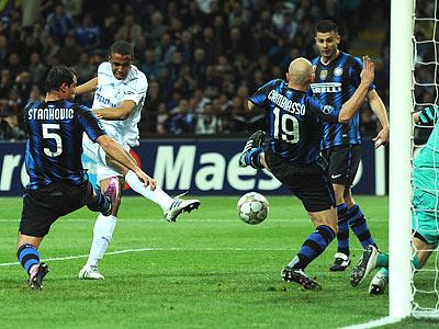 "Урок футбола от ""Шальке"", или Кошмар Леонардо"