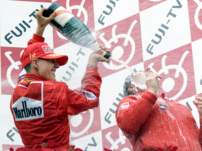 Кто, кроме Росберга, одерживал три победы на старте сезона Формулы-1