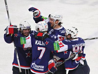 В первом матче плей-офф СКА разгромил ЦСКА