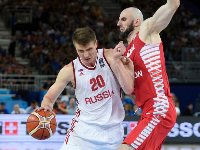 Польша победила Россию в матче Евробаскета