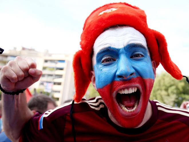 Как российским футболистам вернуть расположение болельщиков