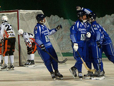 Обзор вторых четвертьфинальных матче ЧР по хоккею с мячом