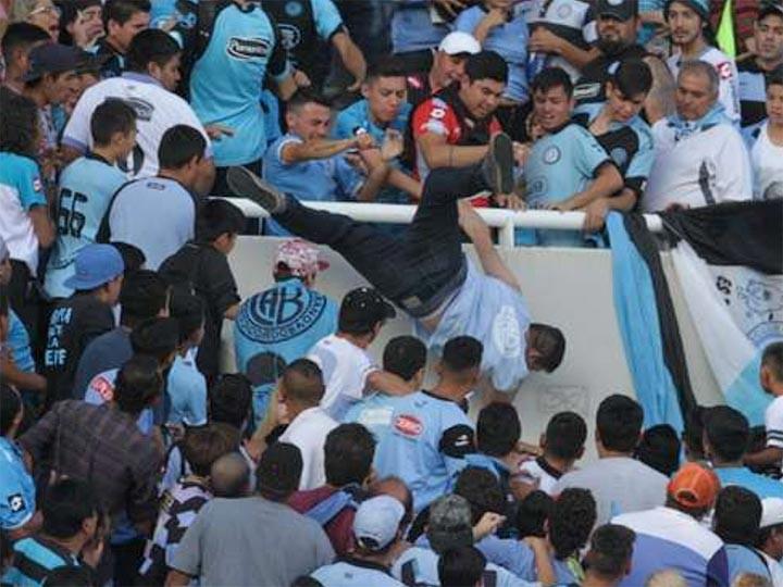 В чемпионате Аргентины на матче «Бельграно» – «Тальерес» убили фаната