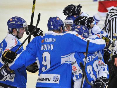 Сборная Финляндии вырвала победу у хозяев турнира в овертайме