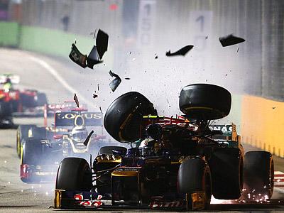 Гран-при Сингапура: авария Шумахера и Верня, борьба Сенны с Массой