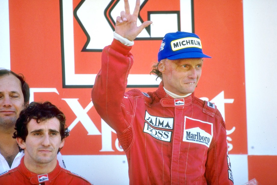 Как судьбу чемпионства в Формуле-1 решили пол-очка