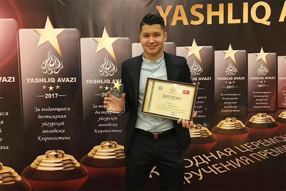 Ахметов – лучший молодой футболист РПЛ. К 20 годам он уже прошёл через ад!
