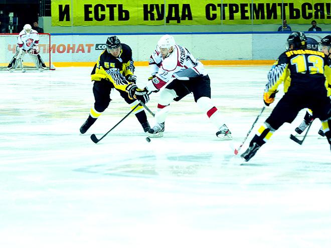 Первый матч сезона ВХЛ выиграла «Сарыарка»