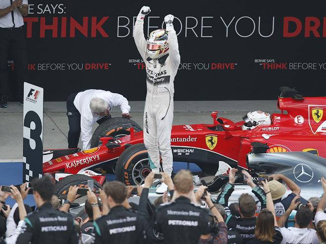 Льюис Хэмилтон выиграл Гран-при Японии