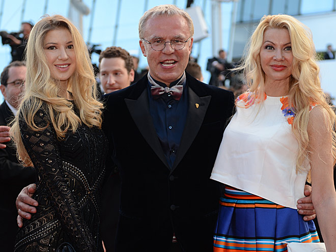 Вячеслав Фетисов с супругой и дочерью