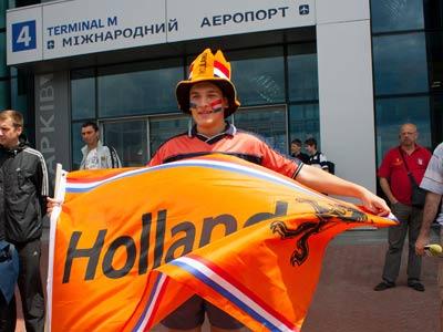 Сборные Голландии и Дании прибыли в Харьков