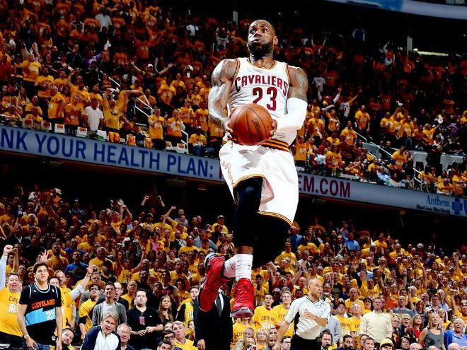 Леброн Джеймс оформил 15-й трипл-дабл в плей-офф НБА
