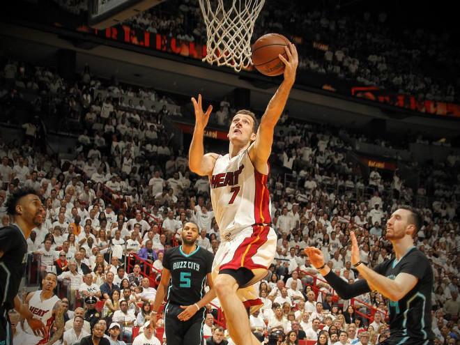 """""""Торонто"""" и """"Майами"""" вышли во второй раунд плей-офф НБА"""