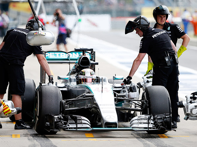 Обзор свободных заездов Гран-при Великобритании Формулы-1