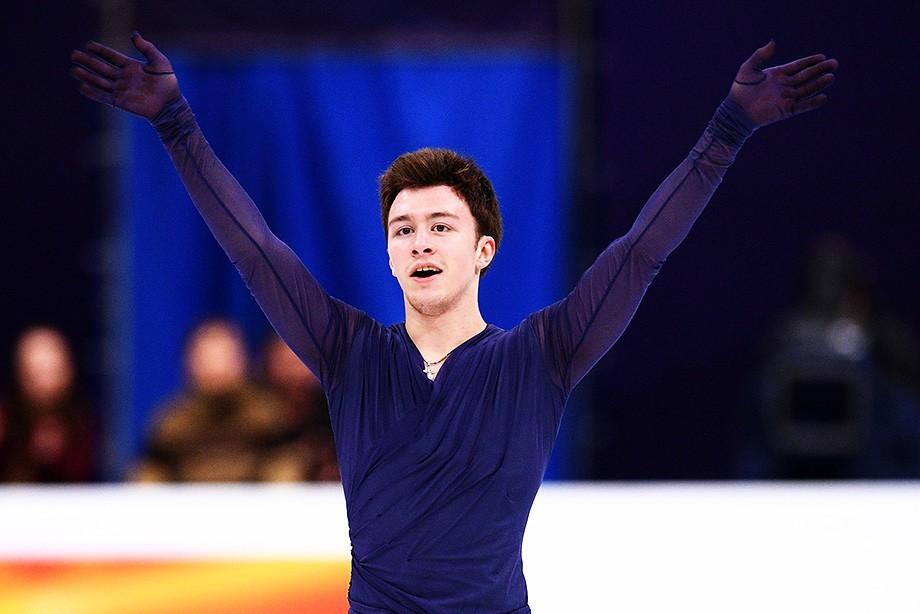Русские фигуристы завоевали серебро ибронзуЧЕ в столице