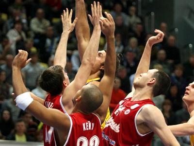 В будущем сезоне игровое время российских баскетболистов сократится