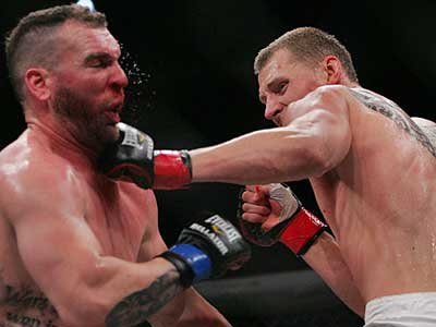 Волков стал чемпионом Bellator в тяжёлом весе