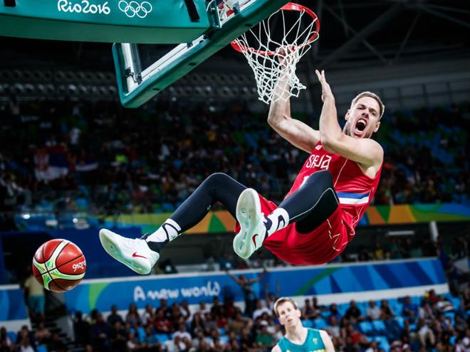 Сборная Сербии вышла в финал баскетбольного турнира Олимпиады