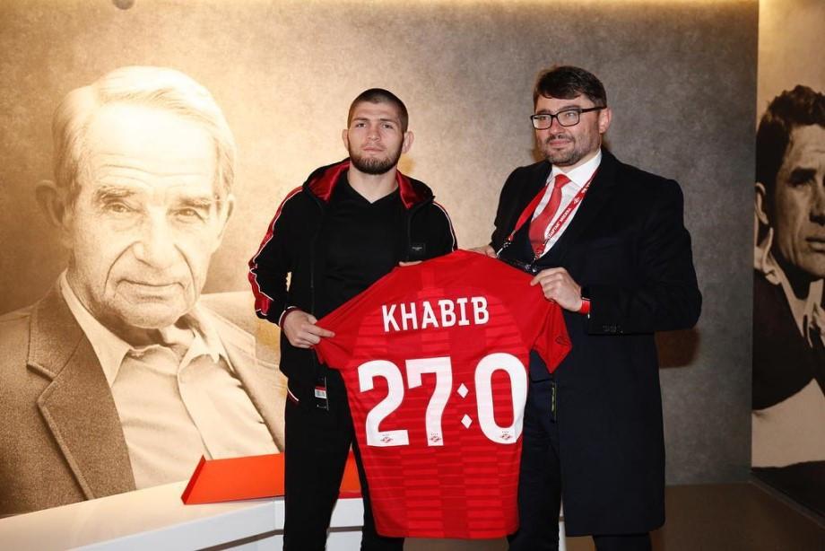 Кадыров не оценил оплеухи Макгрегору, Хабиб путешествует по стране