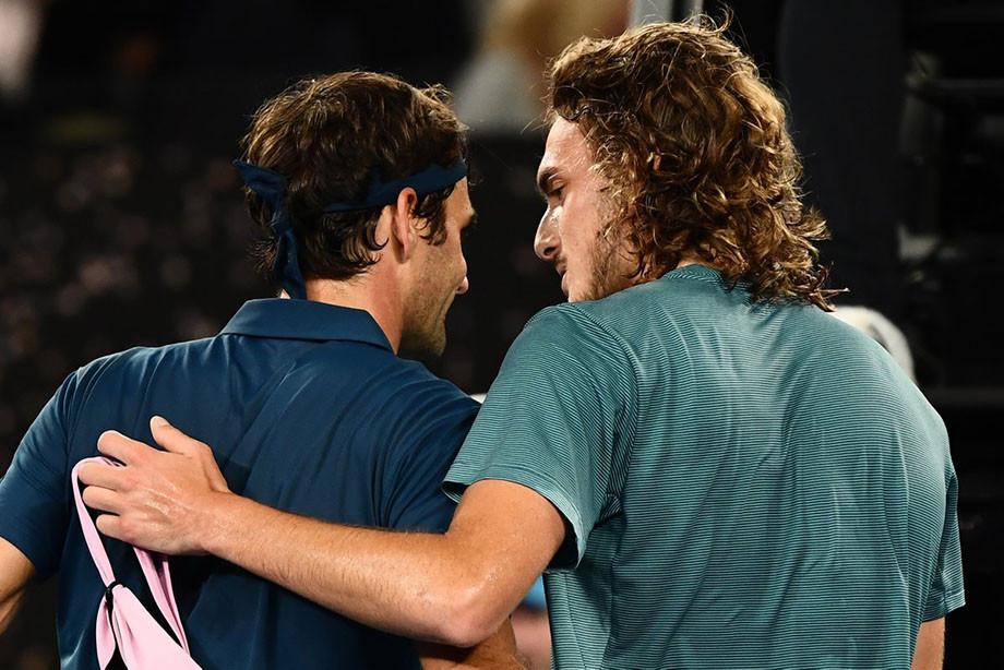 «Старик Федерер нас заметил и… благословил». Как Циципас победил своего кумира