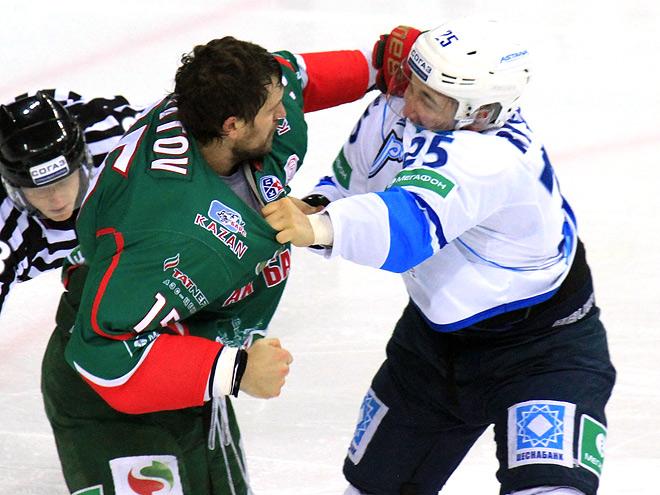 Александр Свитов против Дамира Рыспаева