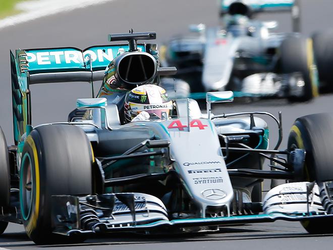 Льюис Хэмилтон выиграл Гран-при Венгрии Формулы-1