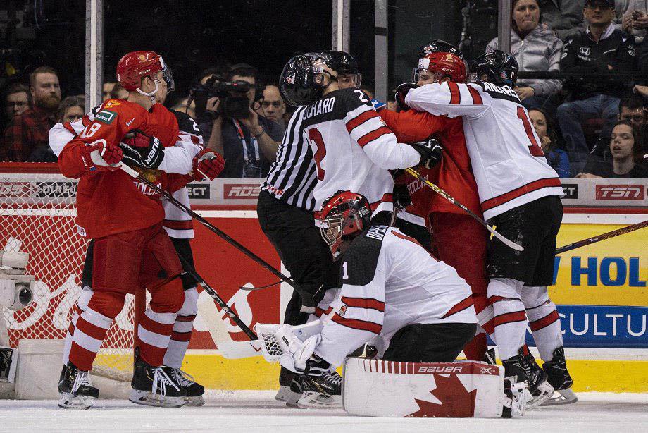 «Любой тычок — канадцы падают». О чём говорили наши после победы