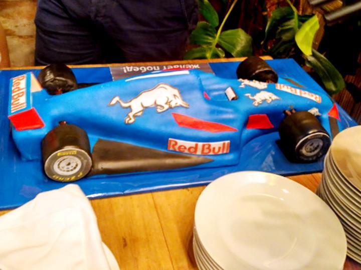 Торты подарены, люки задраены. Как Сочи готовился к этапу Формулы-1
