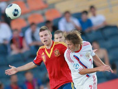 Сергей Петров в матче с Испанией