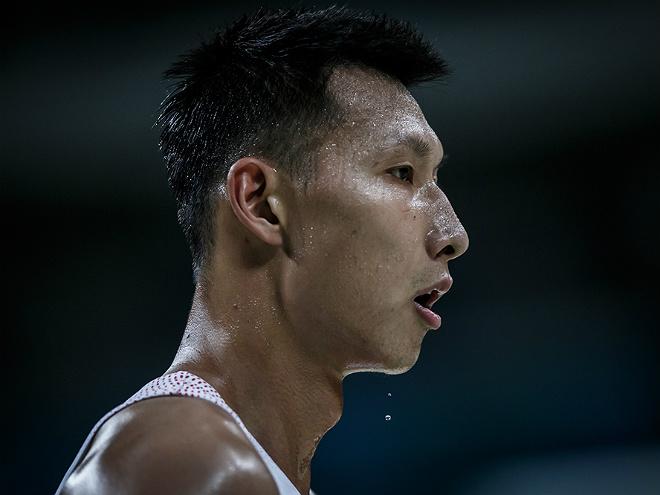 «Лейкерс» заключили годичный контракт на $ 8 млн с Йи Цзяньлянем