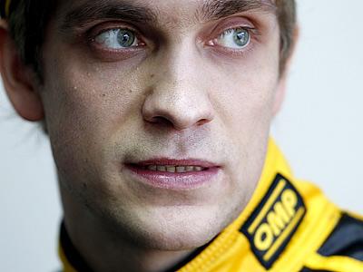 Петров: нервничаю только до старта гонки