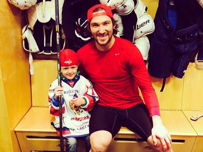 Юный хоккеист встретился с Овечкиным